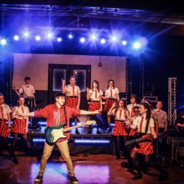 Cast Roll perform School of Rock